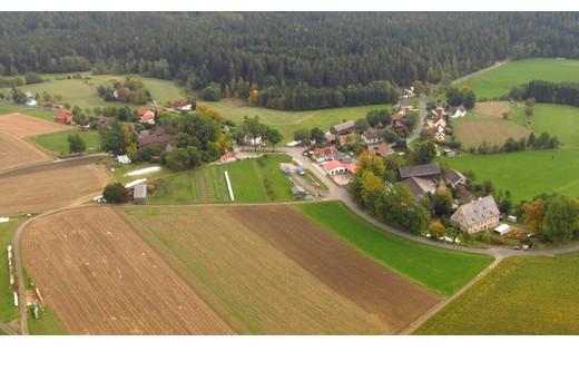 Blick auf den nördlich gelegenen Ortsteil Schwarzenreuth